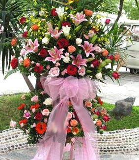 鲜花预订-庆典花篮