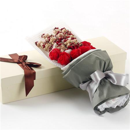 母亲节礼物-红色小熊11支红香皂花7朵