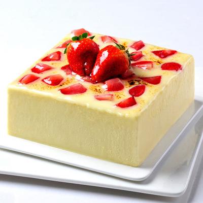 翻糖蛋糕-草莓慕斯