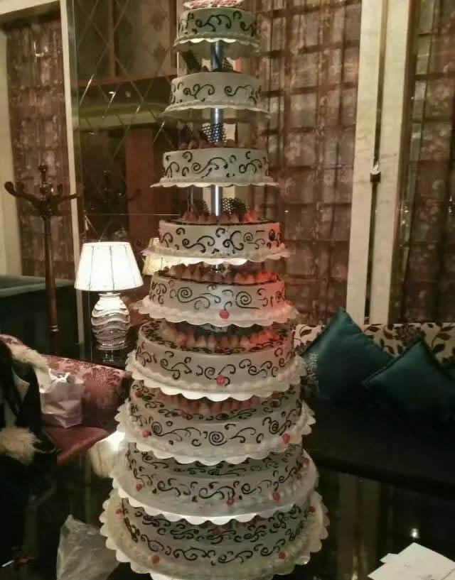 数码生日蛋糕-10层鲜奶水果蛋糕