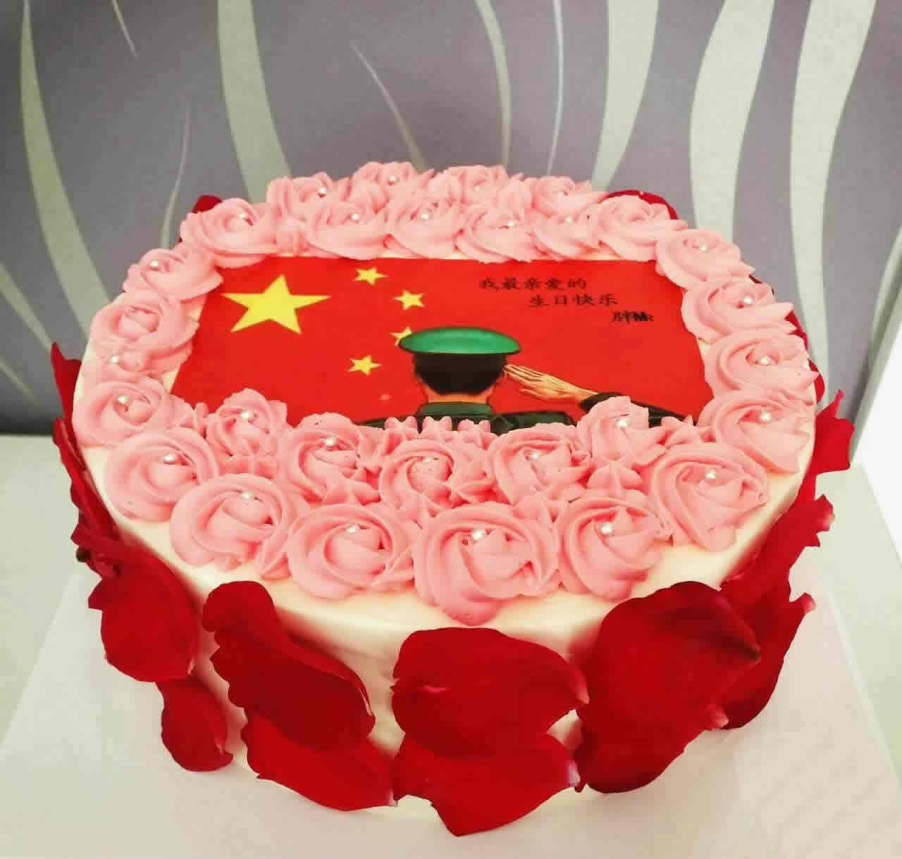 巧克力蛋糕-红旗飘飘