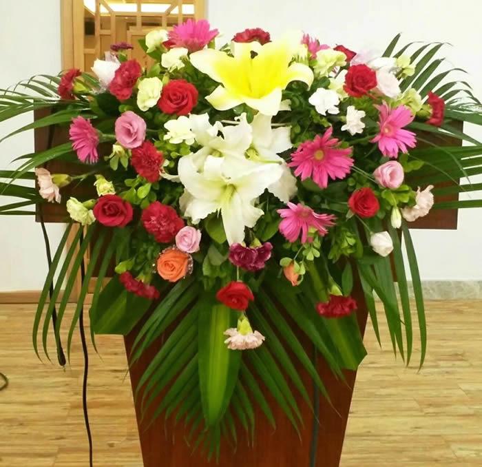 鲜花礼品-讲台花1