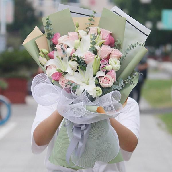 鲜花店-百合风情