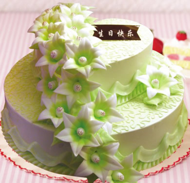 怀来鲜花-多层蛋糕