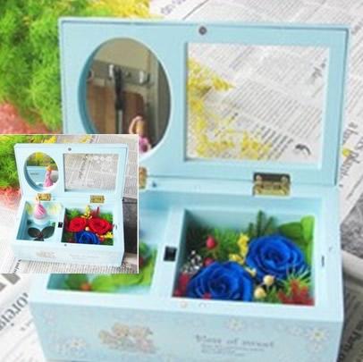 无锡永生花:保鲜花 音乐盒两花